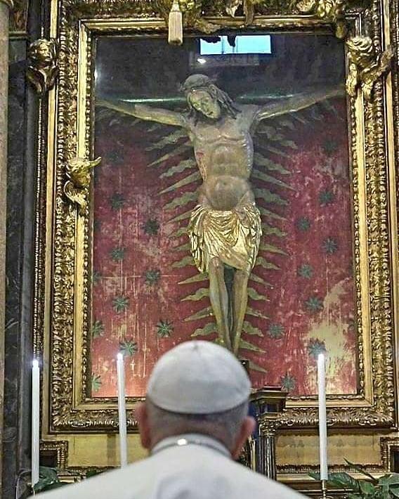 crucifixo-milagroso-vaticano-coronavirus