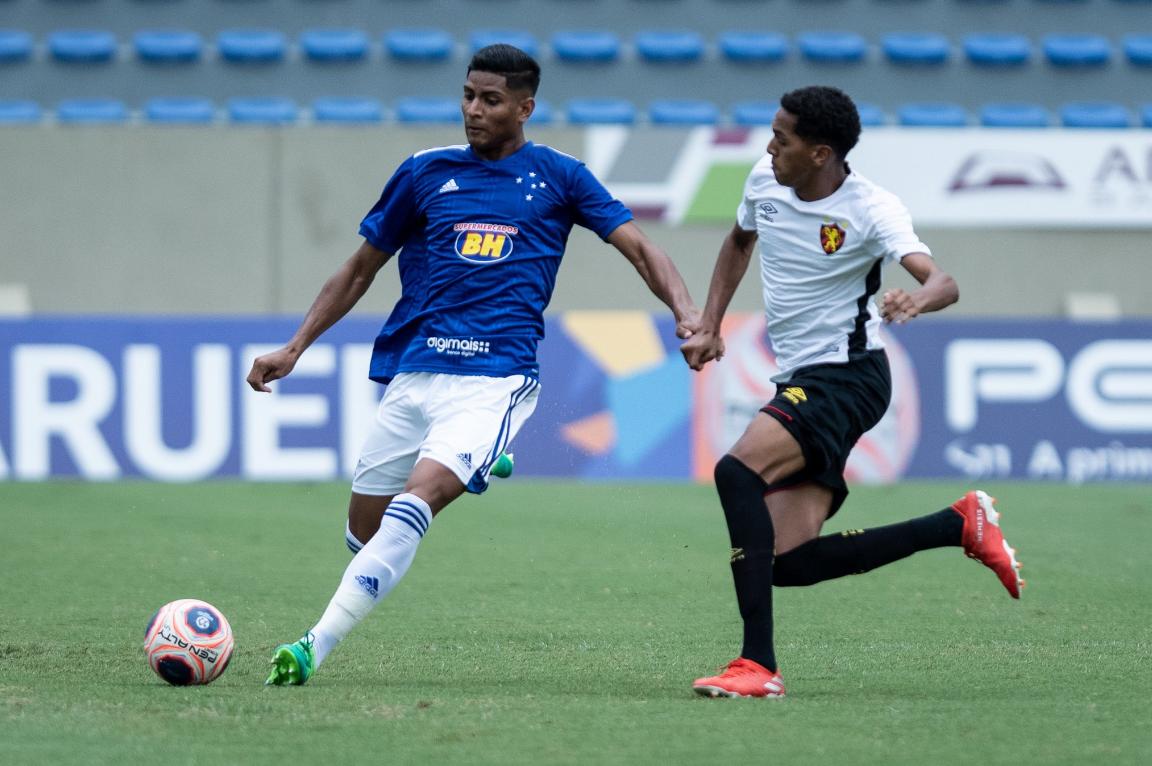 Felipao Visita Concentracao Do Cruzeiro Um Dia Antes De Partida Decisiva Ric Mais