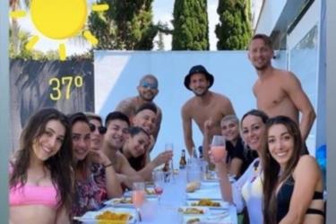 Jogadores do Sevilla quebram quarentena e fazem festa no fim de semana