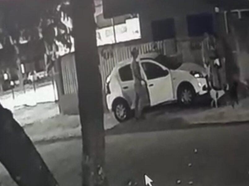 Trio rende vítima e leva carro no Tatuquara, veja o vídeo