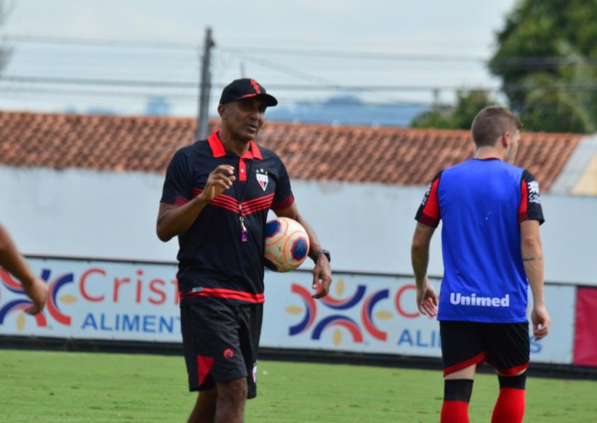 Cristóvão Borges tem seu trabalho detonado pelo presidente do Atlético-GO