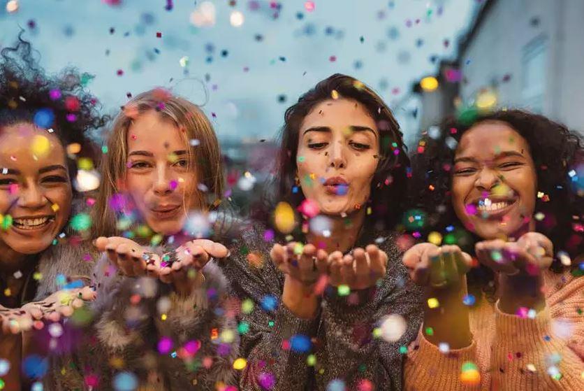 TEM QUE BAIXAR! 6 apps que podem te salvar no Carnaval!