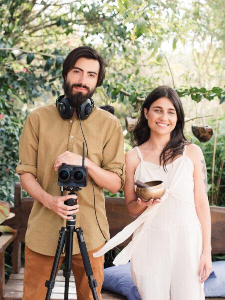 Realidade virtual: casal de paranaenses cria experiências de relaxamento e bem-estar no YouTube