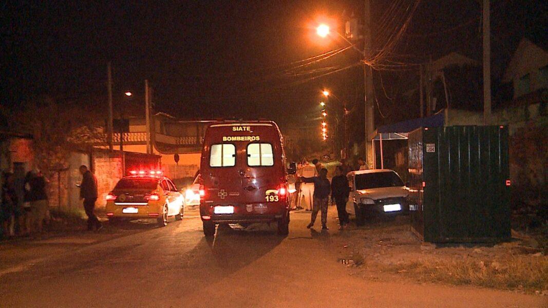 Duas pessoas são baleadas durante briga de bar no bairro Tatuquara