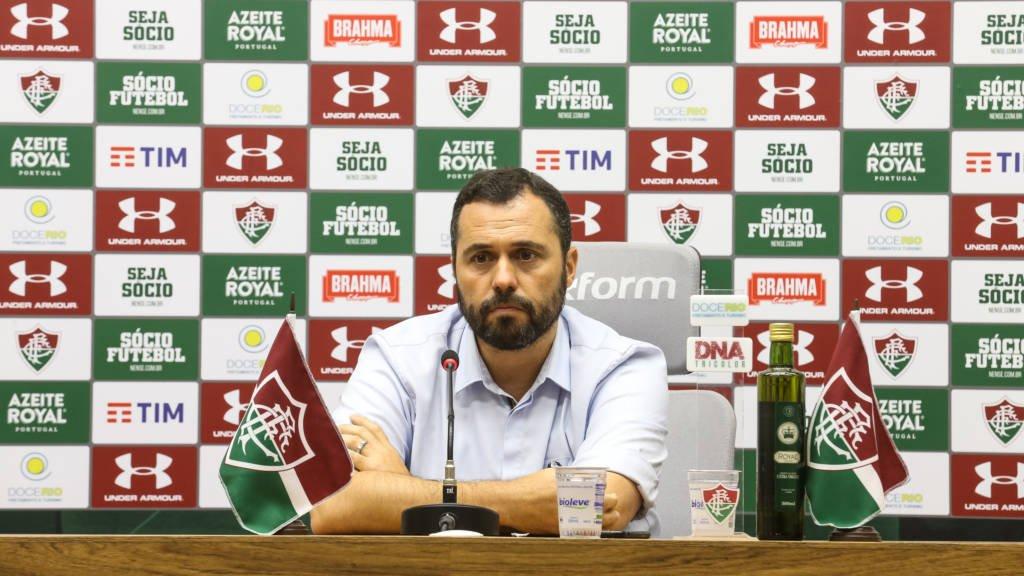 Presidente do Fluminense critica liberação dos treinos