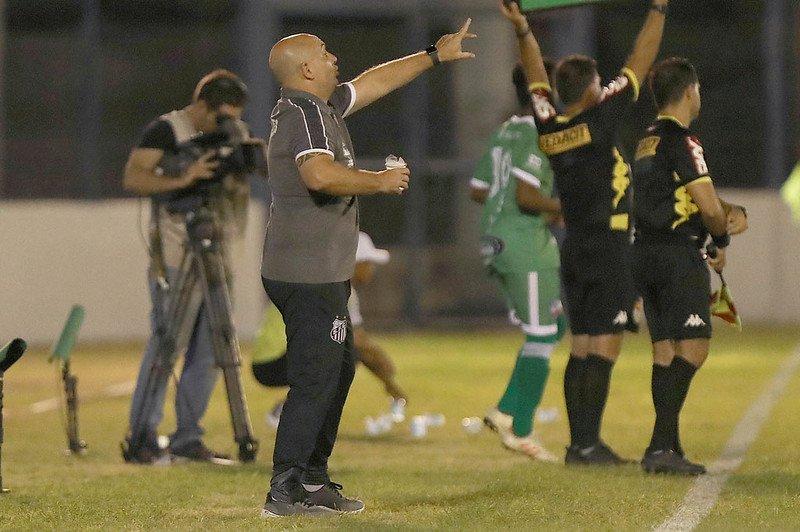 Técnico espera crescimento do Santos na Copinha
