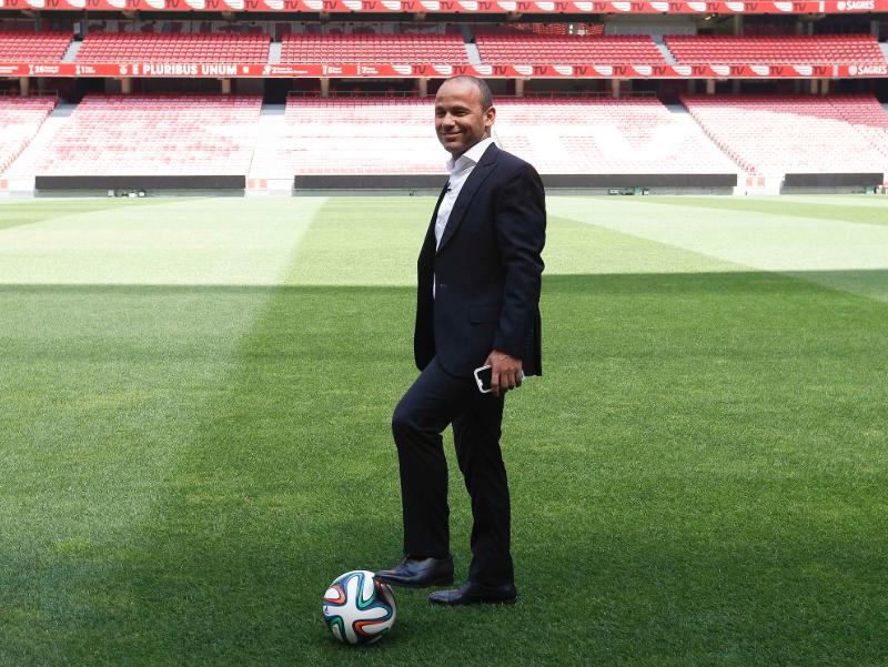 Ídolo do Santos, Léo é eleito melhor lateral-esquerdo do século no futebol português