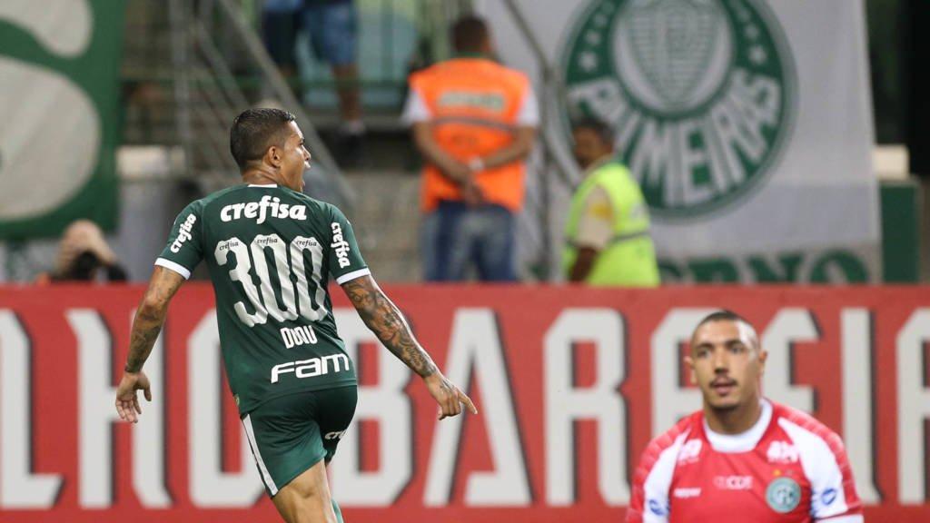 Dudu marca no 300º jogo, Palmeiras bate Guarani e lidera grupo