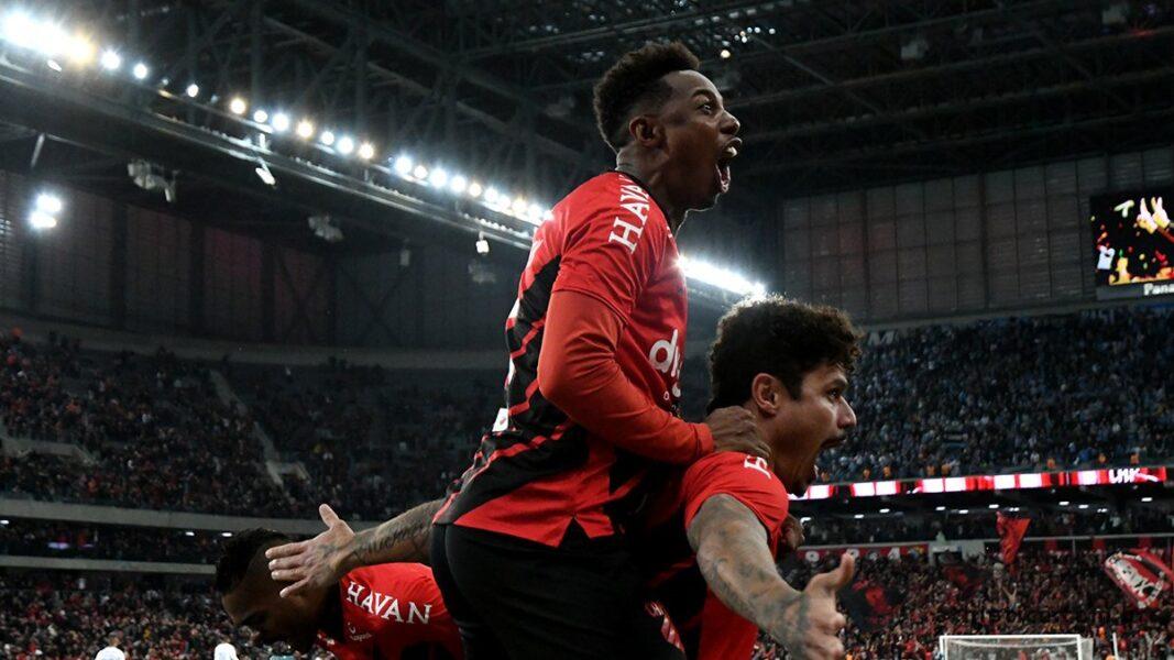 Nos pênaltis, Athletico supera o Grêmio e está na final da Copa do Brasil
