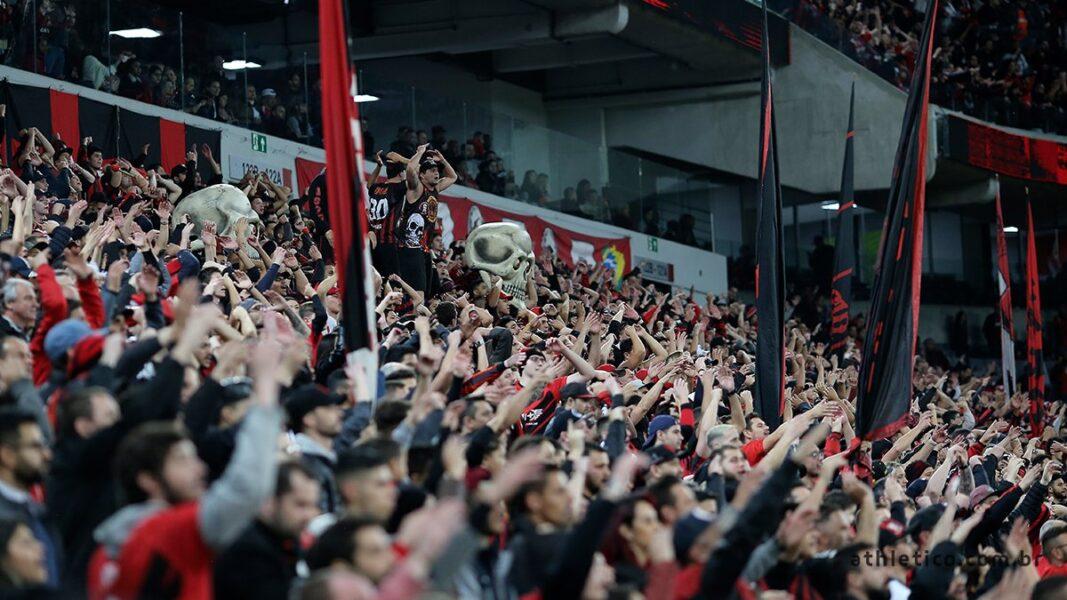 Com promessa de casa cheia, Athletico recebe o Internacional na Arena