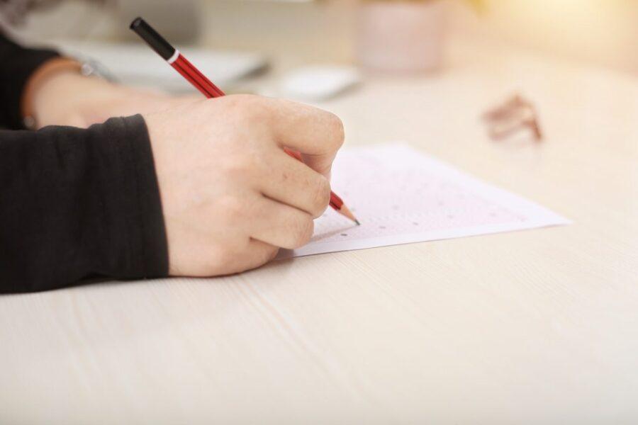 Encceja: descubra o que é e como funciona a prova e o certificado