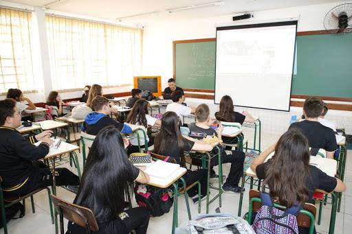 """""""É muito difícil que volte"""", diz Ratinho Junior sobre reabertura de escolas do Paraná no primeiro semestre"""