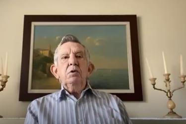 Euclides Scalco presta última homenagem à Mário Petrelli