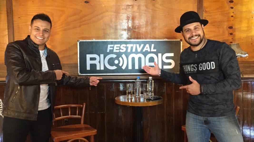 AO VIVO: Live com a dupla Everton & Alex no Festival RIC Mais