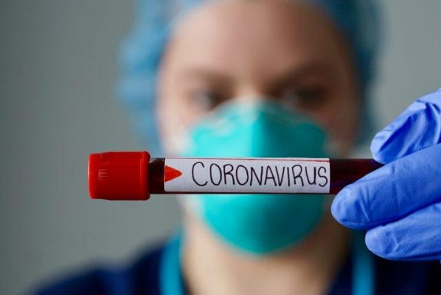 Rede de farmácias oferece drive-thru para exame de coronavírus em Curitiba