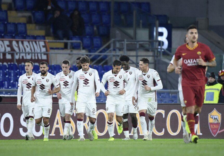 Roma é derrotada pelo Torino e perde chance de encostar nos líderes