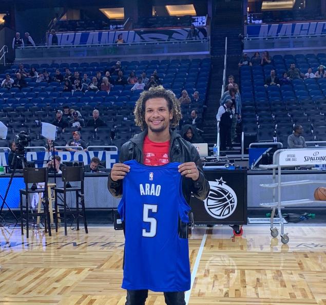 Willian Arão recebe homenagem do Orlando Magic em jogo da NBA