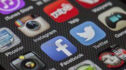 Após ocultar post de Bolsonaro, Facebook vai deletar 50 milhões de postagens falsas