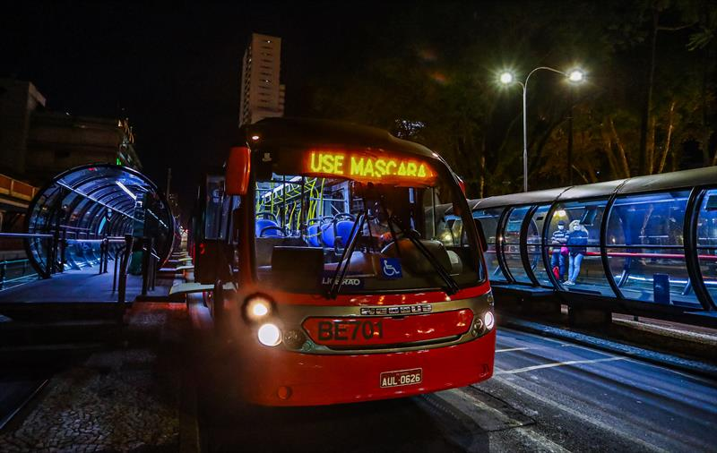 Urbs vai usar 80% da frota de ônibus a partir de segunda (25), em Curitiba