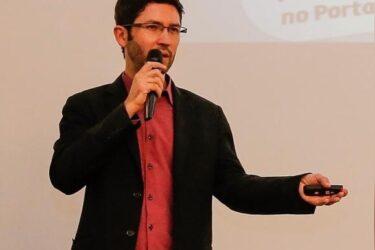 Professor de marketing digital ministra lives gratuitas sobre vendas pela internet em maio