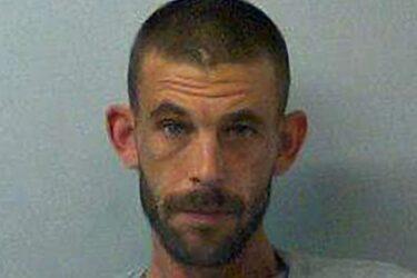 Homem leva jovem a estupro coletivo para pagar sua dívida com drogas