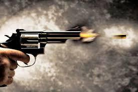 Coronavírus – Quem Pode Mais Chora Menos (Pistola 45 na mão)