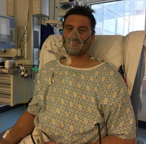 Homem pega infecção no coração após pipoca ficar presa em seu dente