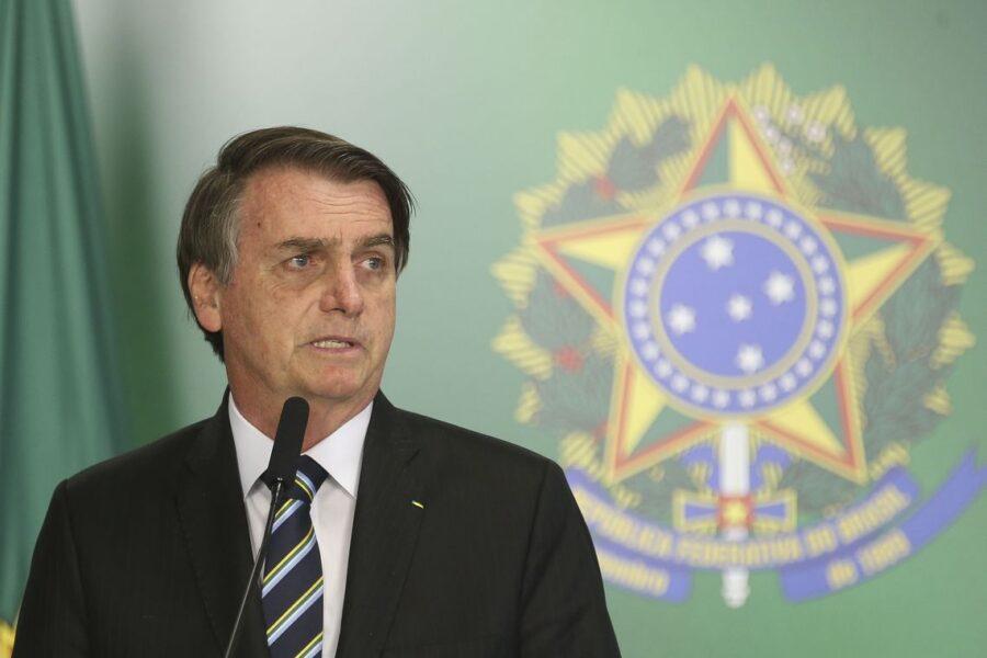 Jair Bolsonaro cria 13º salário para o programa Bolsa Família