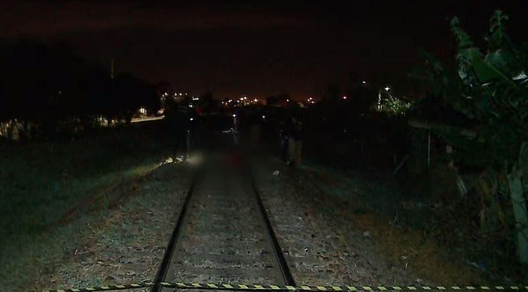 Jovem é encontrado morto em trilho de trem, em Curitiba