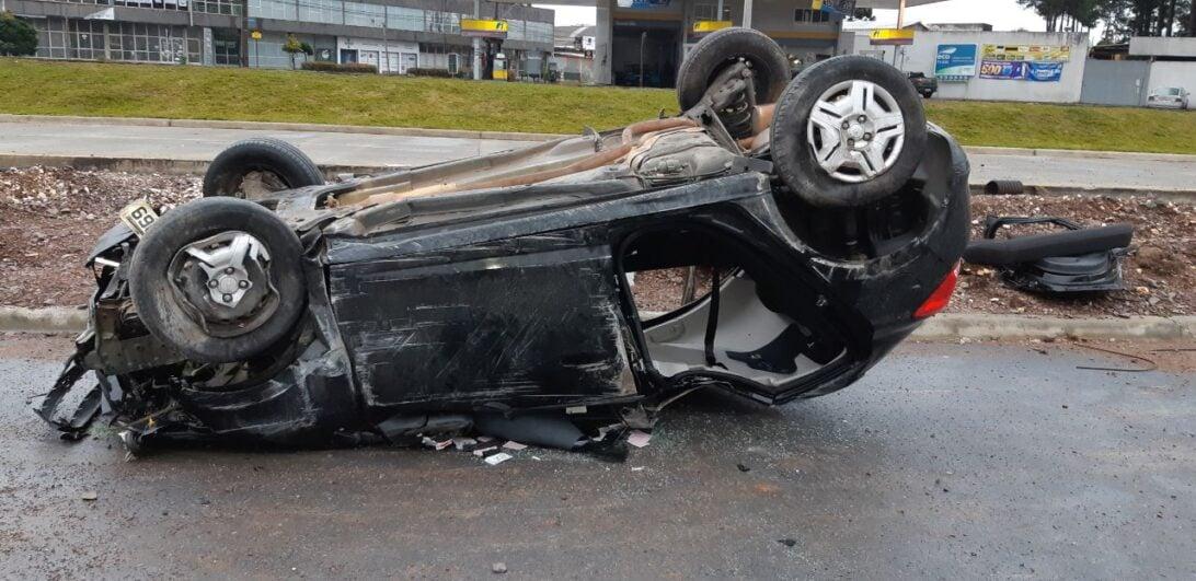 Acidente na Linha Verde: jovem morre após capotar veículo, em Curitiba