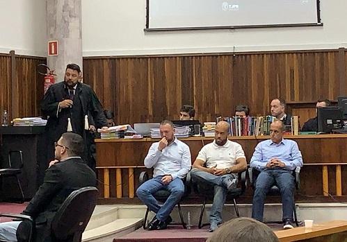 Após 30 horas, júri popular decide pela absolvição dos acusados de matar torcedor do Paraná