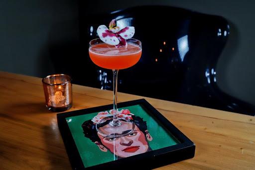 La Champagneria lança nova carta de drinks inspirados em famosos