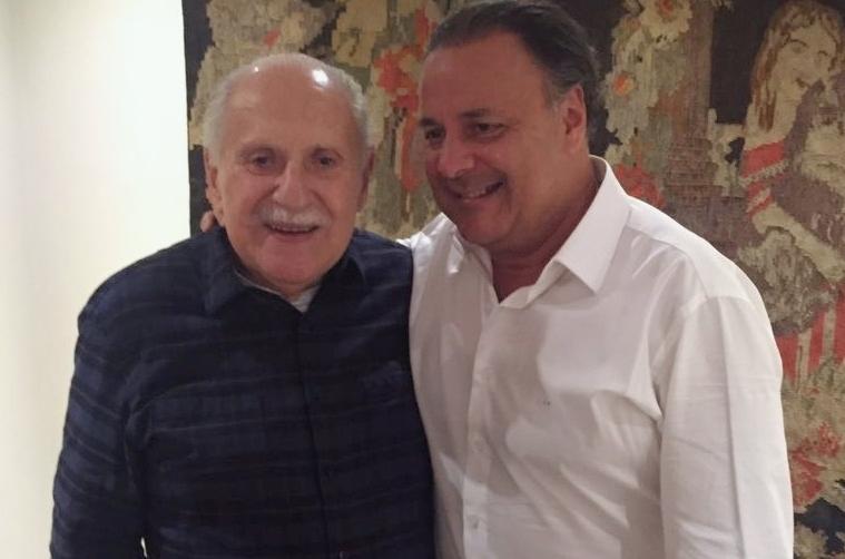 """Presidente do Grupo RIC, Leonardo Petrelli recorda do pai com emoção: """"Homem do bem"""""""