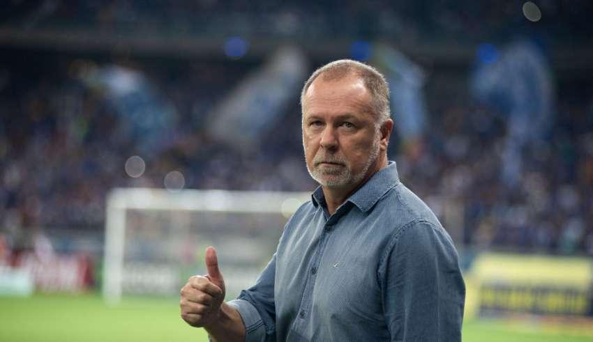 Mano Menezes deixa o comando do Cruzeiro após derrota para o Inter