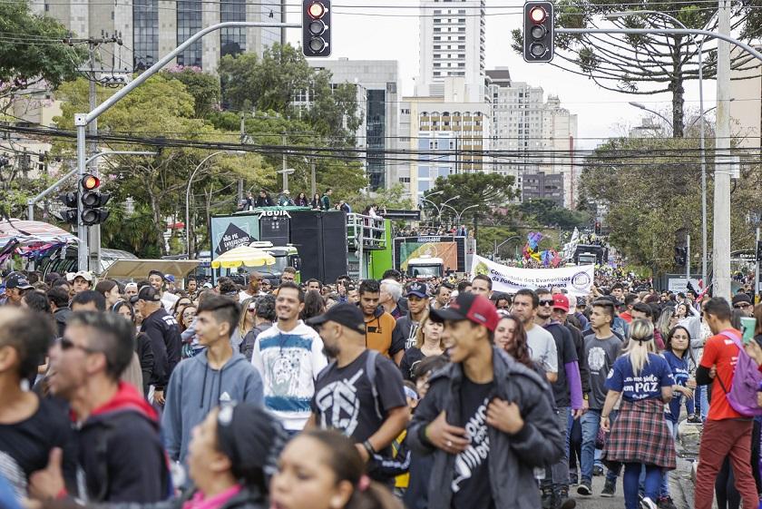 Marcha para Jesus bloqueia de Curitiba neste sábado (18); veja o mapa