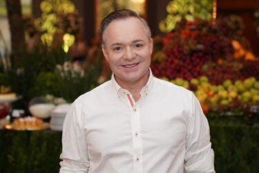 Mauro Picini, apresentador do Ver Mais Oeste, é finalista do Prêmio Panorama do Turismo