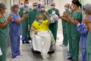 Médico internado com coronavírus recebe alta da UTI em Curitiba