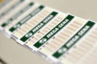 Mega-Sena concurso 2262: prêmio pode pagar R$ 100 milhões neste sábado (16)