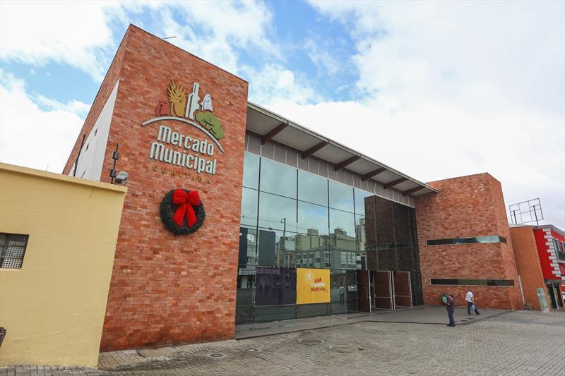 Mercado Municipal de Curitiba fecha para compras presenciais a partir deste sábado (21)