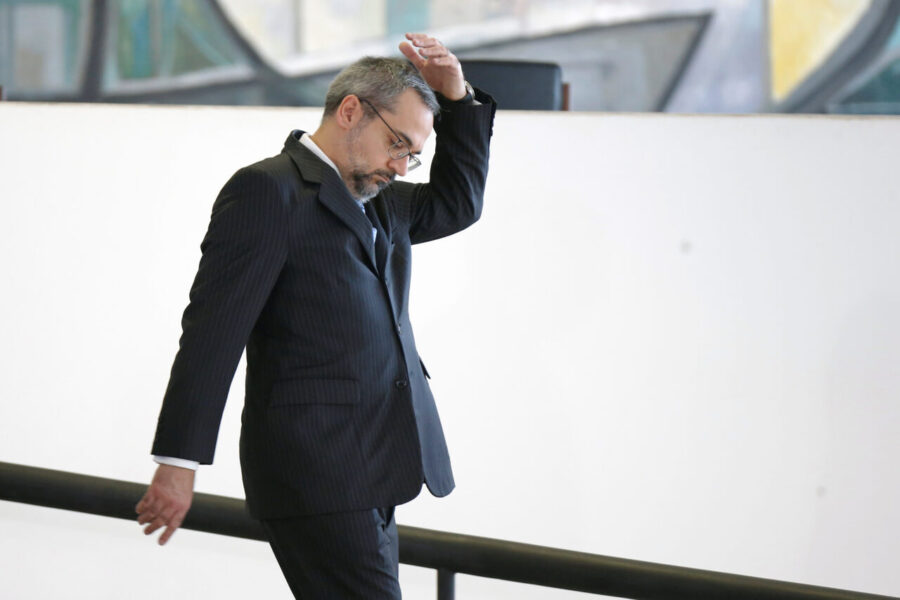 """Weintraub defendeu colocar na cadeia """"vagabundos"""" e ministros do STF em reunião"""