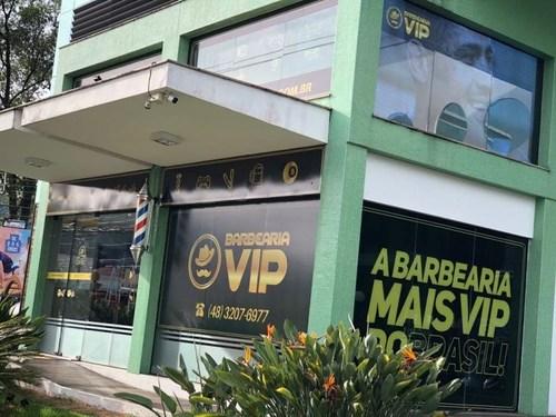 Barbearia doa R$ 19 mil para acolhimento de moradores de rua na quarentena