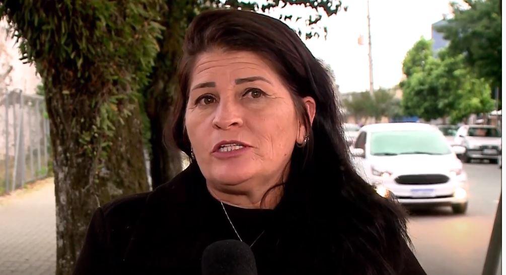 """Mulher baleada e que viu o ex ser morto dentro de casa revela medo do suspeito: """"Ele é capaz de tudo"""""""
