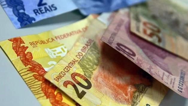 Auxílio de R$ 600 para trabalhador informal é sancionado e pagamento começa dia 16 de abril