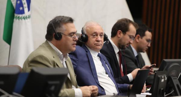 Secretário da Saúde avalia que Paraná pode ter 30 mil casos de coronavírus no pico da epidemia