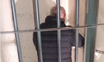 Pai suspeito de estuprar filho de seis anos é preso após oito dias