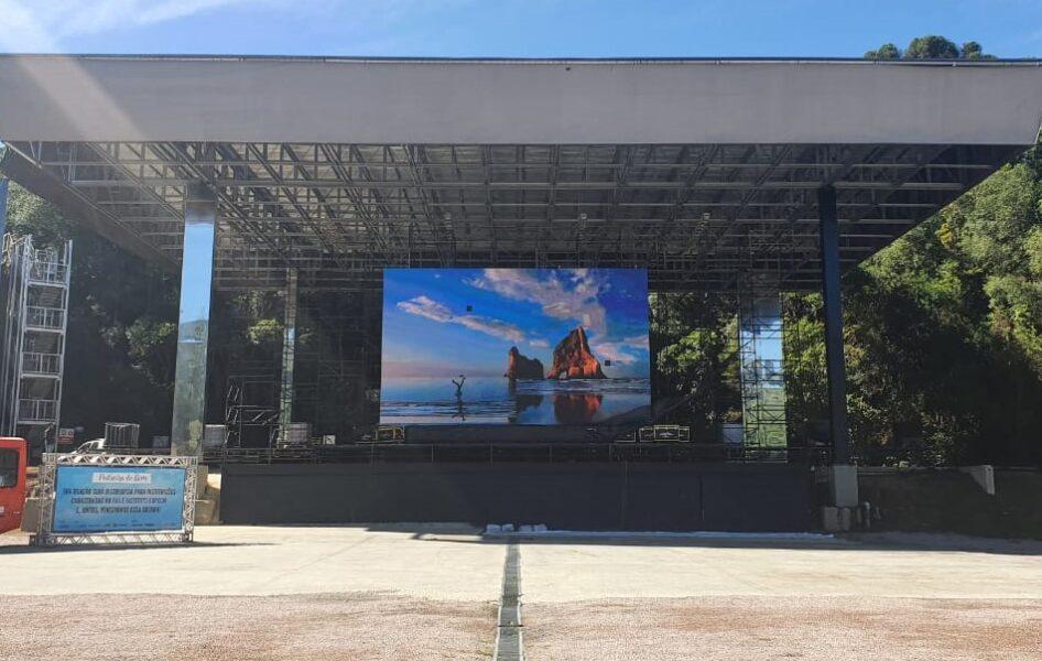 Estrutura para novos eventos na Pedreira Paulo Leminski começa a ser montada; confira fotos