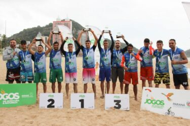 Jogos de Aventura e Natureza: curitibanos dominam as finais do futevôlei