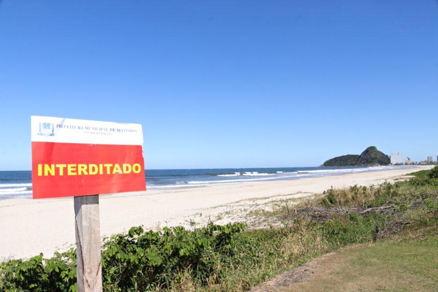 Litoral do Paraná tem praias fechadas, barreiras sanitárias e toque de recolher no feriado de Páscoa