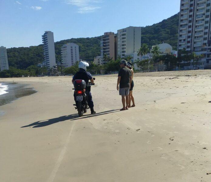 Prefeitura de Matinhos pede que não viaje ao Litoral; surfista foi multado
