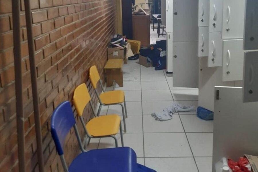 Homem furta escola pelo terceiro dia seguido e é preso pela Guarda Municipal